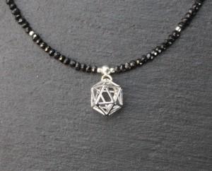 375a Icosaedra