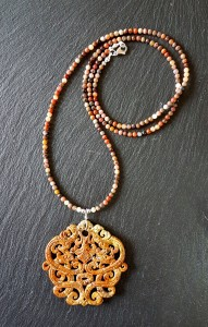 Dragon jade ocre collier