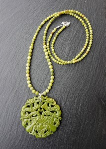 Dragon jade olive collier